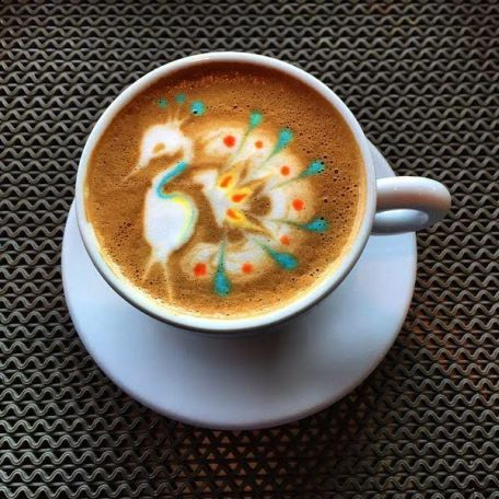 lm-peakock-coffee-art