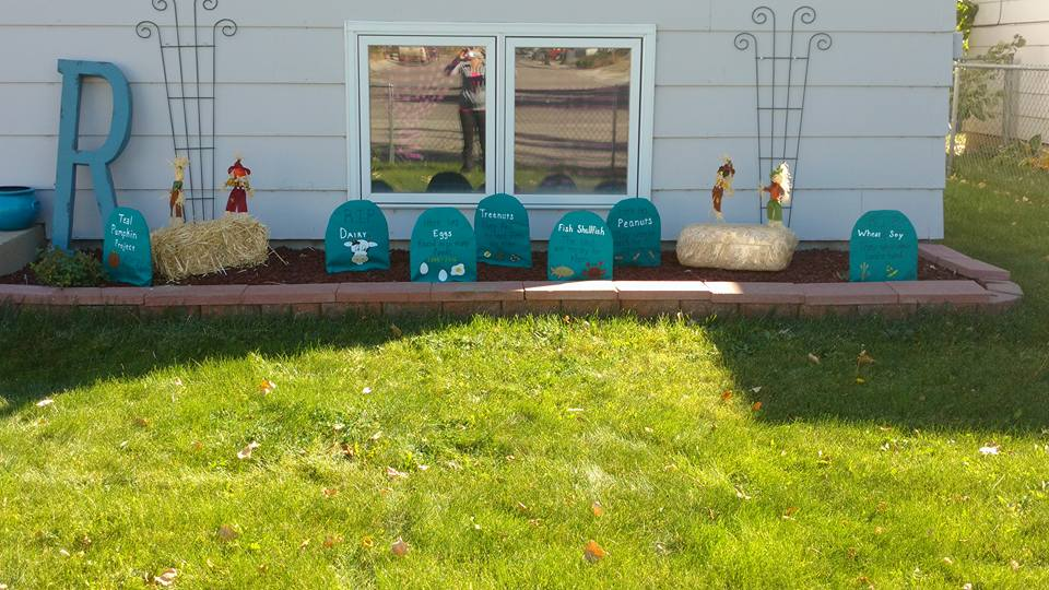 Get Creative with the Teal Pumpkin Project: Teal Graveyard